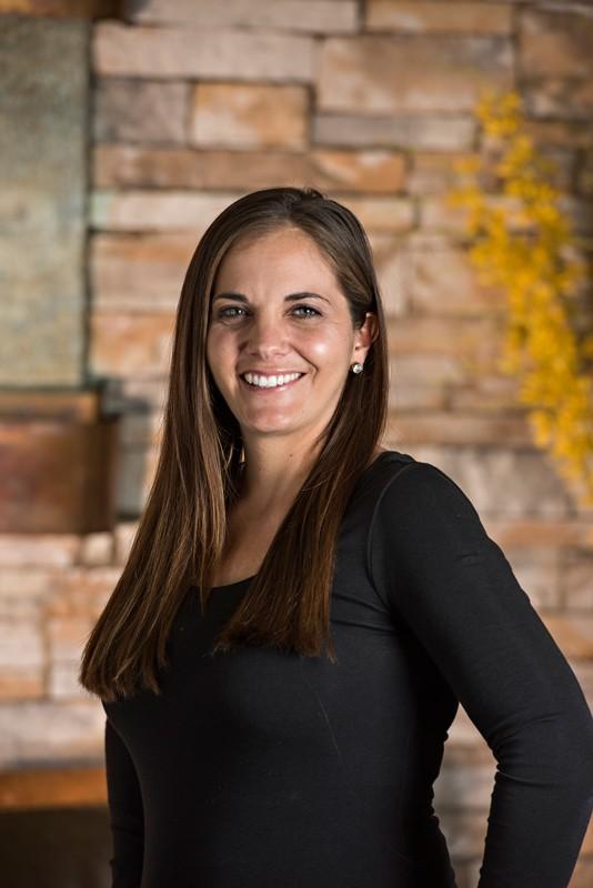 Head Registered Dental Hygienist Amanda Lastra